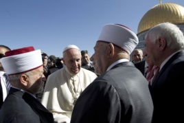 Pope Francis meets with the Mufti of Jerusalem Muhammad Ahmad Hussein, left, and Abdul Azeem Salhab, Head of the Waqef supreme court, near the Dome of the Rock Mosque
